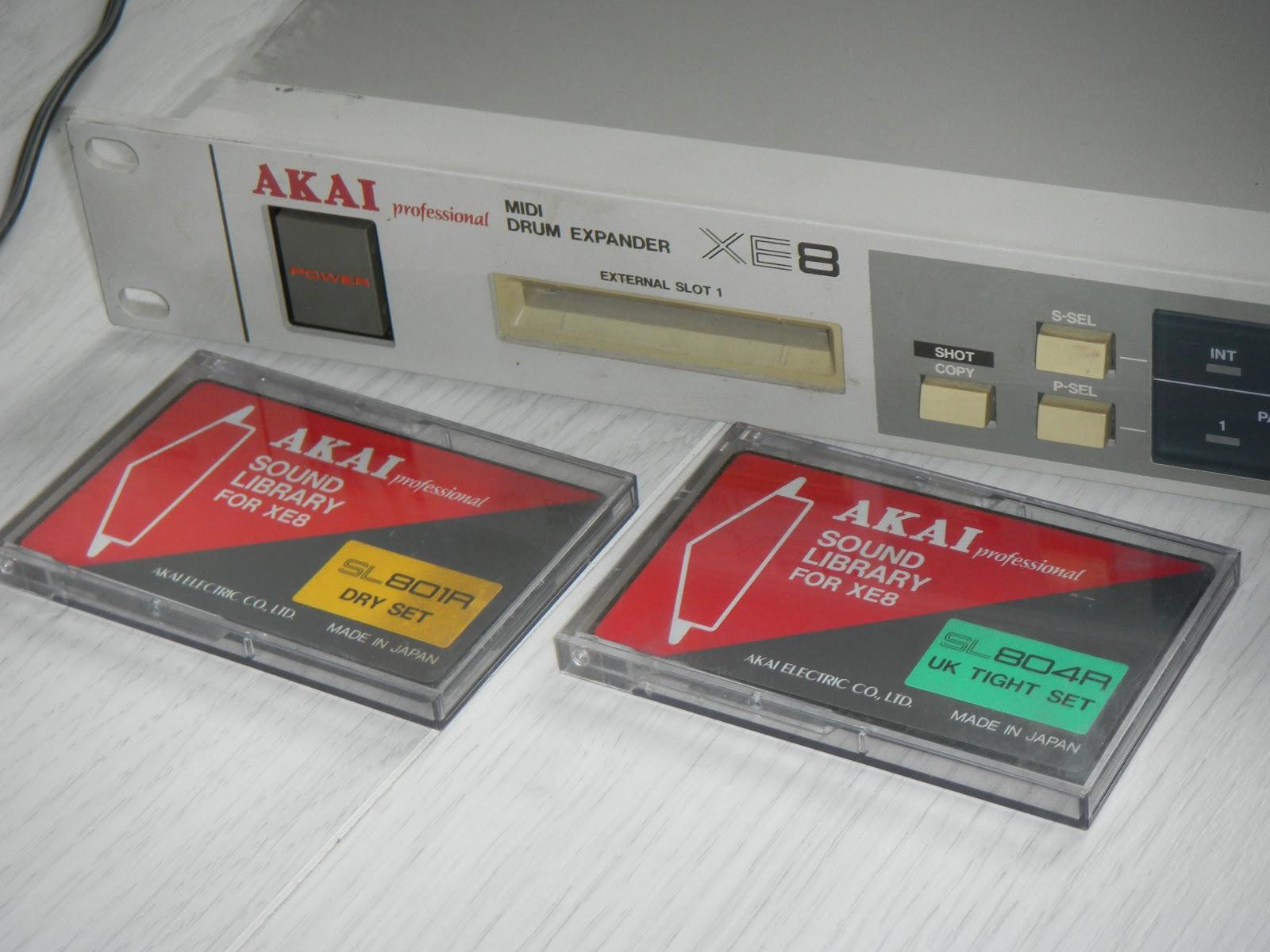 Akai XE8